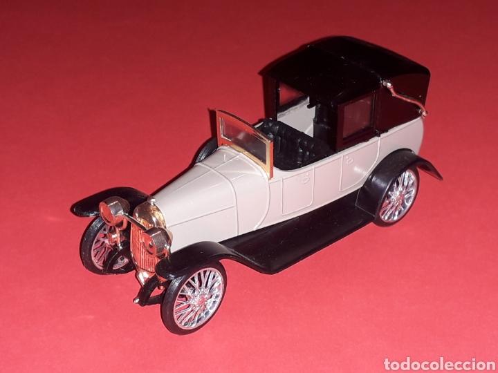 Coches a escala: Elizalde R.V.E. Limousine, plástico esc. 1/43, EKO made in Spain, original años 60. Con caja. - Foto 4 - 138830402