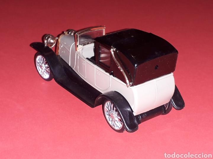 Coches a escala: Elizalde R.V.E. Limousine, plástico esc. 1/43, EKO made in Spain, original años 60. Con caja. - Foto 5 - 138830402