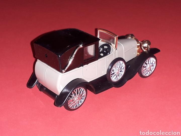 Coches a escala: Elizalde R.V.E. Limousine, plástico esc. 1/43, EKO made in Spain, original años 60. Con caja. - Foto 6 - 138830402