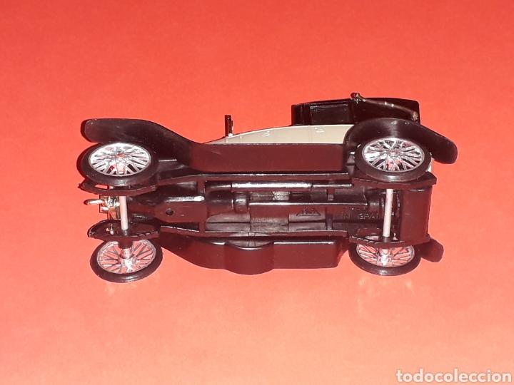 Coches a escala: Elizalde R.V.E. Limousine, plástico esc. 1/43, EKO made in Spain, original años 60. Con caja. - Foto 7 - 138830402