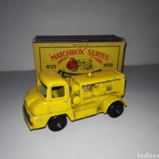 Coches a escala: MATCHBOX 28 FORD THAMES COMPRESSOR TRUCK BY LESNEY WITH ORIGINAL BOX 1959 RARE. Lote 141442857