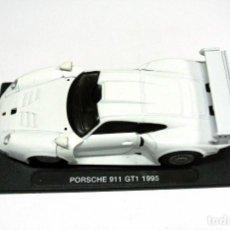 Coches a escala: COCHE PORSCHE 911 GT1 1995 ,DEAGOSTINI, 1:43, NO A SIDO RODADO, CON PEANA BASE *. Lote 143709598