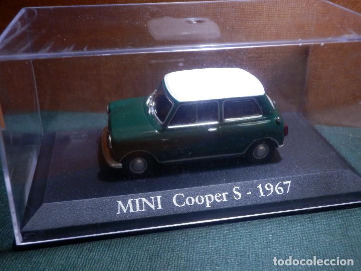Coches a escala: COCHE METÁLICO A ESCALA 1: 43 - Mini Cooper S - 1957 - CON URNA-CAJA ORIGINAL - - Foto 2 - 143903094
