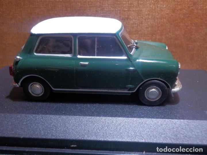 Coches a escala: COCHE METÁLICO A ESCALA 1: 43 - Mini Cooper S - 1957 - CON URNA-CAJA ORIGINAL - - Foto 4 - 143903094