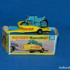 Coches a escala: (M) COCHE MATCHBOX HONDA MOTORCYCLE WITH TRAILER 38 CON CAJA, BUEN ESTADO. Lote 150809334