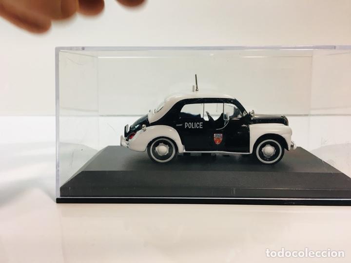 Coches a escala: Renault 4cv pie policía paris 1:43 - Foto 3 - 153152106