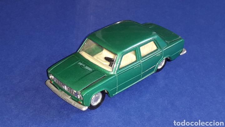 Coches a escala: Seat 124 *verde metalizado* ref. 106, esc. 1/43, Joal made in Spain. Original años 70. - Foto 2 - 153891646