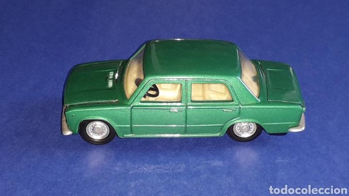 Coches a escala: Seat 124 *verde metalizado* ref. 106, esc. 1/43, Joal made in Spain. Original años 70. - Foto 3 - 153891646