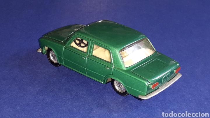 Coches a escala: Seat 124 *verde metalizado* ref. 106, esc. 1/43, Joal made in Spain. Original años 70. - Foto 4 - 153891646