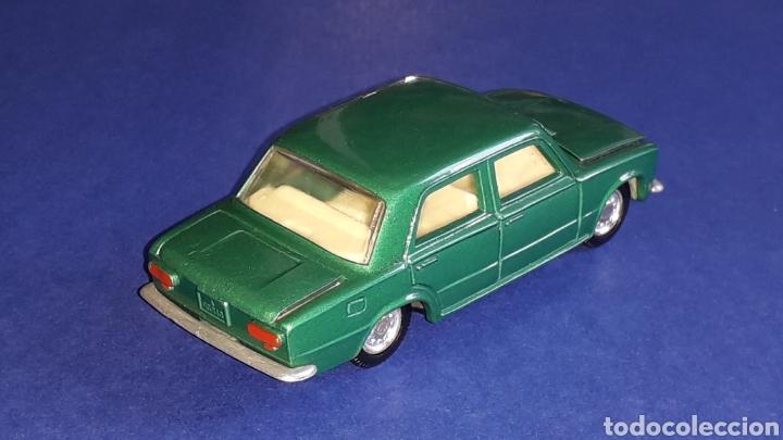 Coches a escala: Seat 124 *verde metalizado* ref. 106, esc. 1/43, Joal made in Spain. Original años 70. - Foto 5 - 153891646