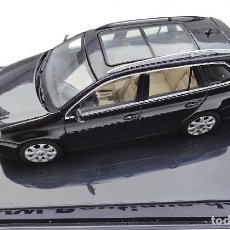 Coches a escala: VW GOLF 5 VARIANT AUTOART 1:43 NEGRO VOLKSWAGEN . Lote 153898950