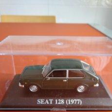 Coches a escala: SEAT 128 COLECCION COCHES CLASICOS DE ALTAYA, 1/43.. Lote 163350422