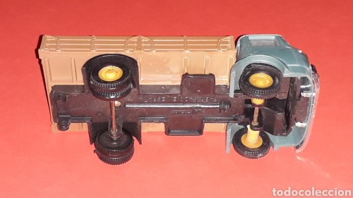 Coches a escala: Camión Barreiros transporte ganado, plástico esc. 1/43, Guisval Ibi made in Spain, original años 60. - Foto 8 - 167071080