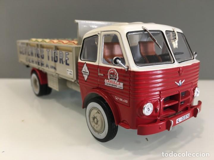 Coches a escala: Camión PEGASO 1031- CEMENTOS TIGRE (1960) con matrícula de Lerida. Escala 1/43 - Foto 4 - 190577843