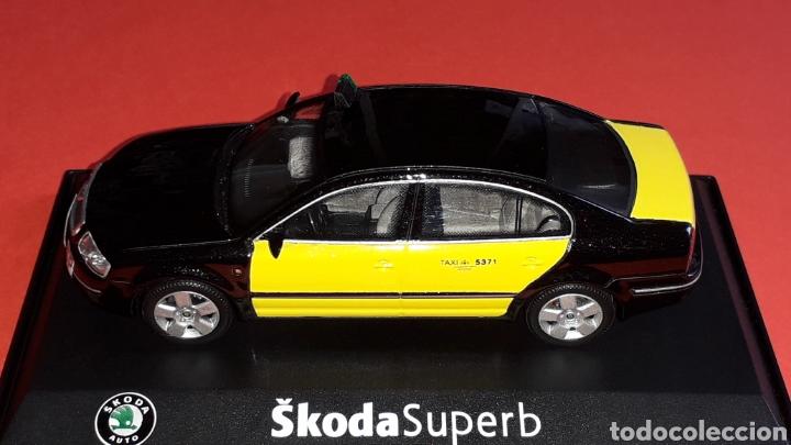 Coches a escala: Skoda Superb Taxi Barcelona, metal esc. 1/43, Kit Car 43, base Abrex. Impecable - Foto 3 - 175318704
