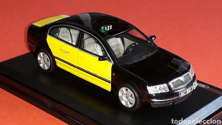 Coches a escala: Skoda Superb Taxi Barcelona, metal esc. 1/43, Kit Car 43, base Abrex. Impecable - Foto 6 - 175318704