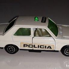 Auto in scala: GUISVAL : ANTIGUO COCHE SEAT 131 POLICIA URBANA REF. 44 SERIE CAMPEON AÑOS 70 / 80. Lote 175581667