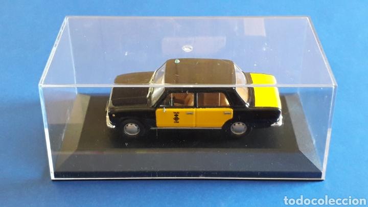 Coches a escala: Seat 124 Taxi Barcelona, metal esc. 1/43, Kit Car 43, base Fiat Ixo DeA. Impecable - Foto 3 - 175669907