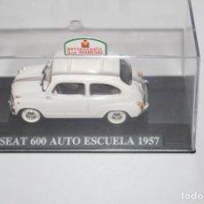 Coches a escala: COCHE CLASICO SEAT 600 AUTO ESCUELA ( 1957) ALTAYA ESCALA 1/43. Lote 178557566
