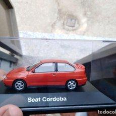 Coches a escala: SEAT CORDOBA II SX EN ROJO ESCALA 1 43 NUEVO A EXTRENAR EN CAJA EXPOSITORA.. Lote 244431510