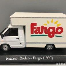 Coches a escala: CAMIÓN DE REPARTO RENAULT RODEO FARGO 1999. ESCALA 1/43. Lote 244448705