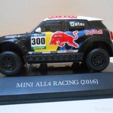 Coches a escala: 300 COCHE MINI ALL4 RACING 1/43 2016 RALLY DAKAR AL-ATTIYAH M. CAR 1:43 RALLYE. Lote 201554967