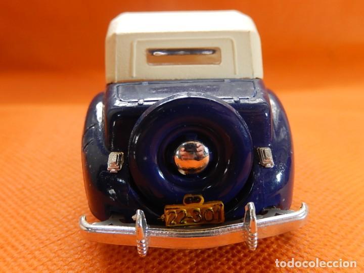 Coches a escala: Lincoln Continental 1946. Fabricado en Italia por Rio. Años 1970 / 80. - Foto 8 - 194118186