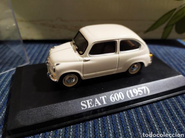 Coches a escala: seat 600 1957 altaya completo con urna transparente - Foto 2 - 195052875