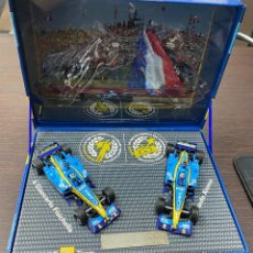 Coches a escala: RENAULT F1 TEAM PACK R25 WORLD CHAMPIONSHIP FERNANDO ALONSO 2005 LIMITED EDITION. Lote 195210167
