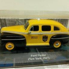 Coches a escala: ALTAYA TAXI FORD FORDOR NUEVA YORK,1947 + FOLLETO. Lote 202956715