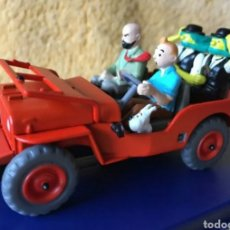 Voitures à l'échelle: COCHE TINTIN JEEP WILLYS MB -EL PAÍS DEL ORO NEGRO- N°44. Lote 205793695