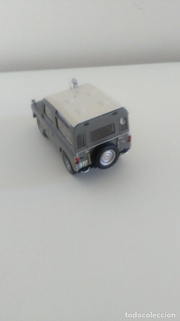 Coches a escala: Land Rover Policía Armada 1/43 - Foto 2 - 210540946