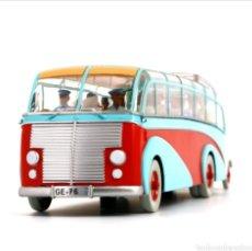 Carros em escala: COCHE TINTIN AUTOBÚS SWISSAIR SAURER 3CH -EL ASUNTO TORNASOL- (2008). Lote 210809336