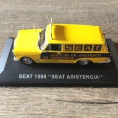 """Coches a escala: FURGONETA CLÁSICA DE ANTAÑO SEAT 1500 """" SEAT ASISTENCIA """" ALTAYA. Lote 214773560"""