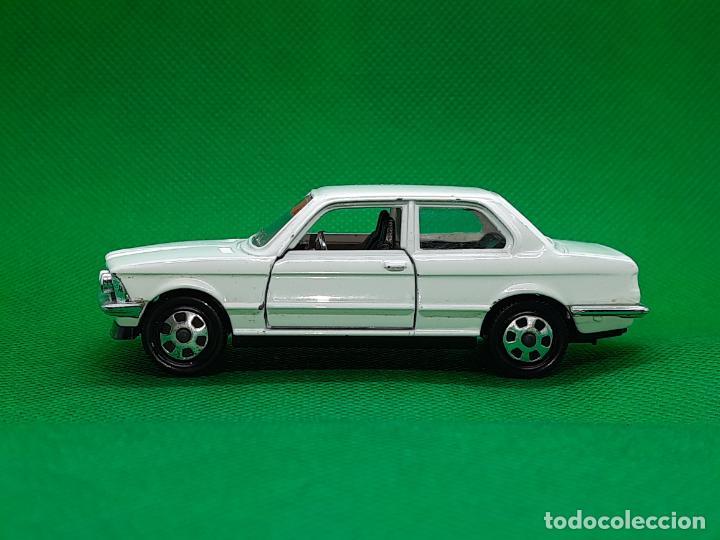 Coches a escala: BMW 320 - MEBETOYS - MATTEL - HOT WHEELS - ESC. 1/43 - MADE IN ITALY - REF. MEBETOYS A113 - Foto 4 - 218565573