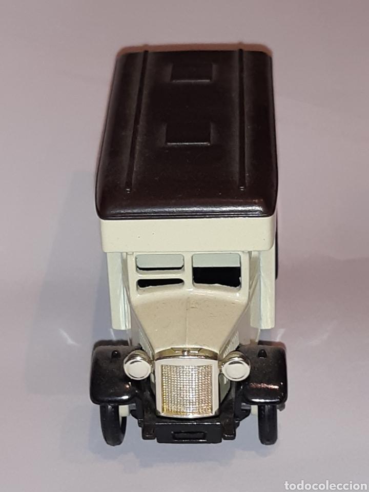 Coches a escala: DAYS GONE by Lledo.Camioneta de reparto de metal, nueva sin usar. Mide 8 x 4,5 x 4 cms - Foto 2 - 219731377