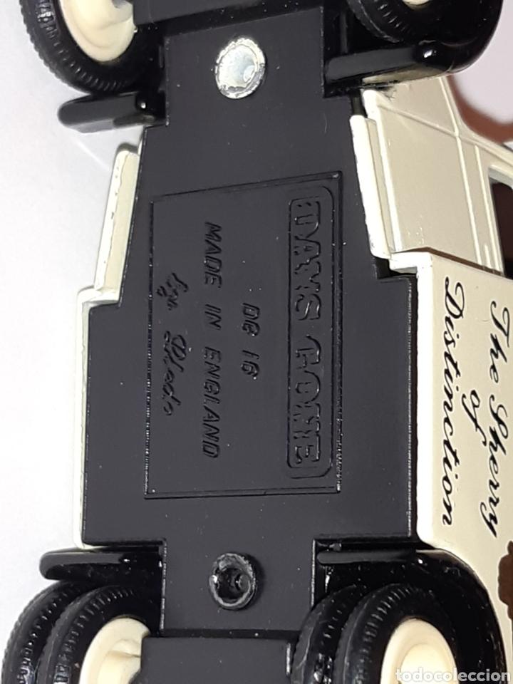 Coches a escala: DAYS GONE by Lledo.Camioneta de reparto de metal, nueva sin usar. Mide 8 x 4,5 x 4 cms - Foto 4 - 219731377