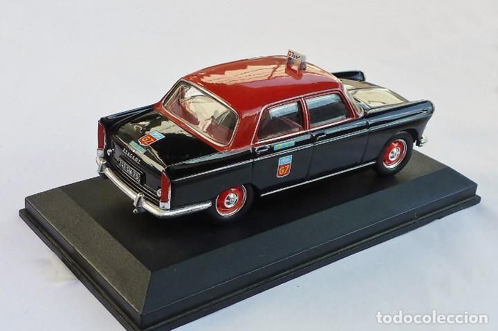 Coches a escala: Coche E 1:43. Peugeot 404, Taxi de Paris 1962 - Foto 4 - 236385935