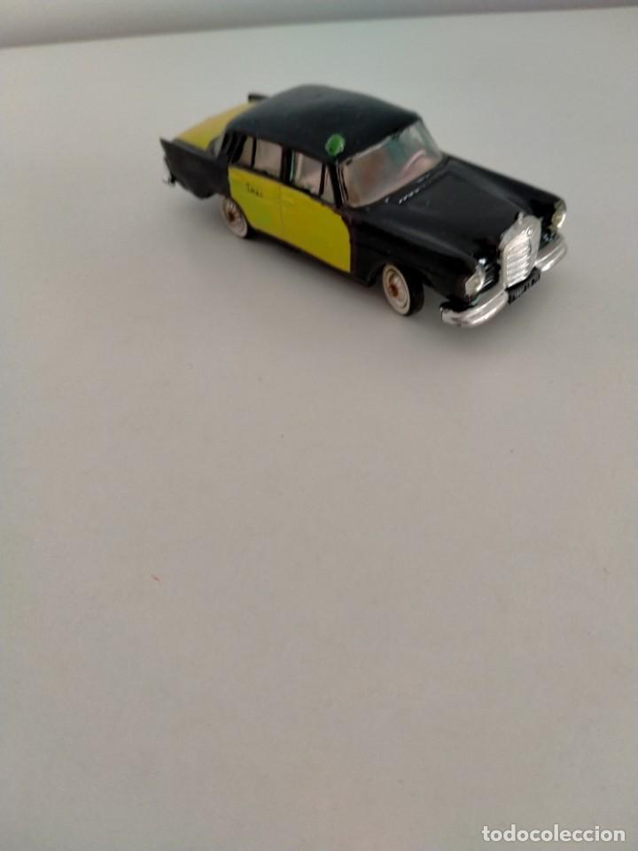 Coches a escala: Mercedes 220 Norev Taxi Barcelona - Foto 2 - 243606665