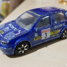 Coches a escala: VW GOLF 98 BURAGO 1/43. Lote 257720855
