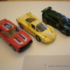 Model Cars - TRES COCHES A ESCALA FERRARI MATTEL HOT WHEELS - 126910820