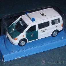 Carros em escala: FURGONETA MERCEDES VERSIÓN GUARDIA CIVIL - CARARAMA 1/72. Lote 205802527