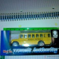 Coches a escala: COCHE AUTOBUS 1:72 SCHOOL BUS DE LA CASA MAISTO A ESTRENAR. Lote 46456970