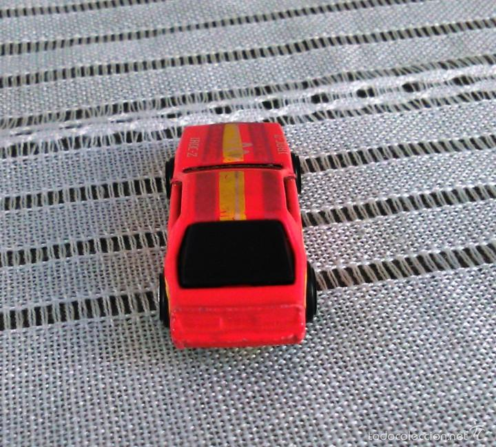 Coches a escala: Chevrolet Camaro Iroc-Z 28 de Hot Wheels a escala 1:72.Chevy Mini Automagic.1983. Mattel. Hotwheels. - Foto 6 - 61080883