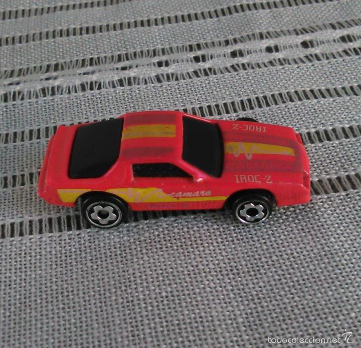 Coches a escala: Chevrolet Camaro Iroc-Z 28 de Hot Wheels a escala 1:72.Chevy Mini Automagic.1983. Mattel. Hotwheels. - Foto 8 - 61080883