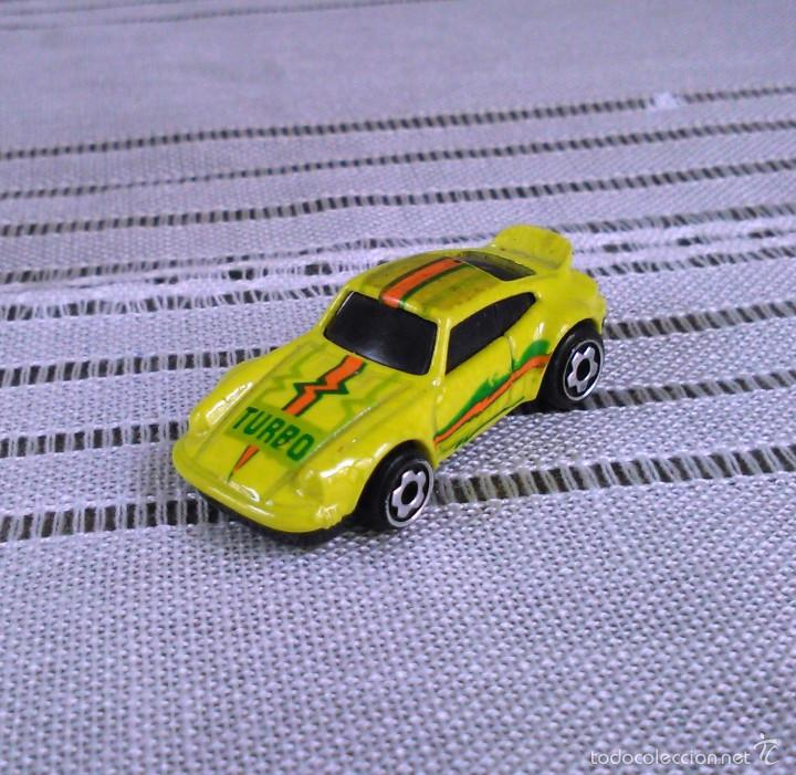 Coches a escala: Porsche 911 Turbo de Hot Wheels a escala 1:72.Chevy Mini Automagic.1974. Mattel. Hotwheels. Metal. - Foto 3 - 61102255