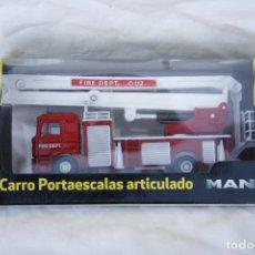 Coches a escala: CAMIÓN DE BOMBEROS DE JUGUETE - MODELO F2000 - CARRO PORTAESCALAS ARTICULADO MAN . Lote 71456567