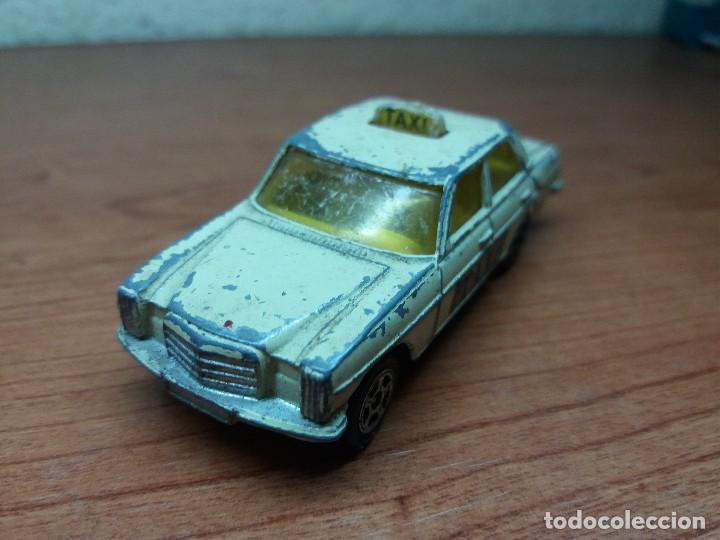 Coches a escala: lote corgi mercedes, matchbox ambulancia cadillac - Foto 3 - 89105060