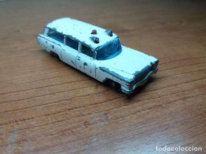 Coches a escala: lote corgi mercedes, matchbox ambulancia cadillac - Foto 4 - 89105060