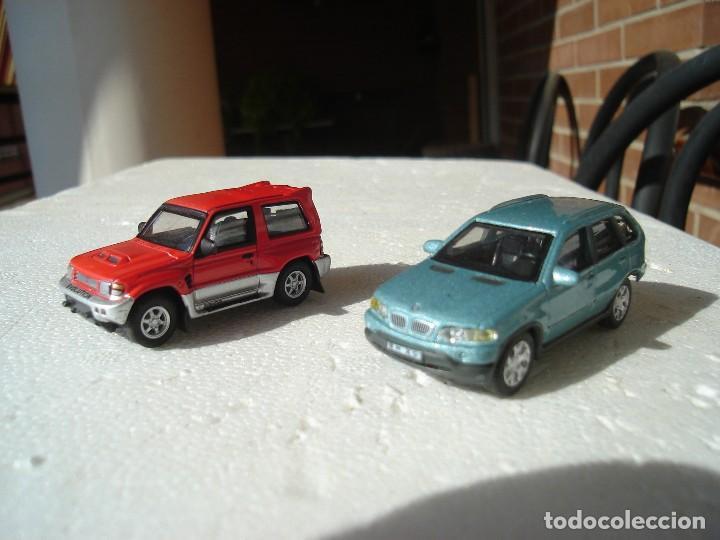 MITSUBISHI PAJERO Y BMW X-5 A ESCALA 1/72. (Juguetes - Coches a Escala 1:72)